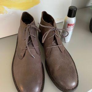 BORN Twain Leather Chukka Boots 13M